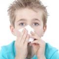Носова кровотеча у дітей: причини і перша допомога