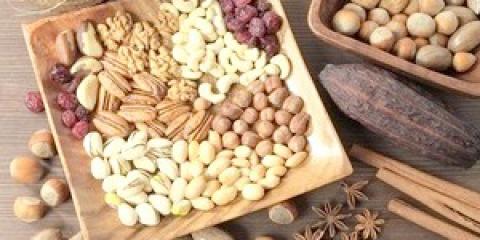 Які горіхи можна мамі, що годує?