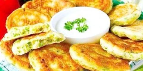 Оладки із зеленої цибулі